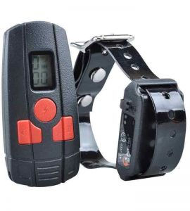 Speciale hond of kat trainingshalsband Aetertek AT-211D. Elektrische trainingsmanchet.