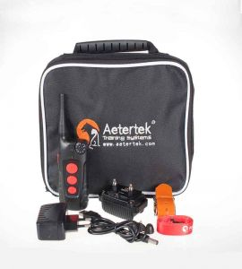 Aetertek AT918C is delivered in a carrying case.