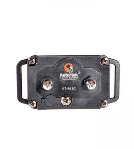 Receptor de collar Aetertek AT918C visto desde los electrodos